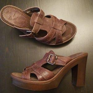 White Mountain Platform Clog Sandals 7.5 Randy